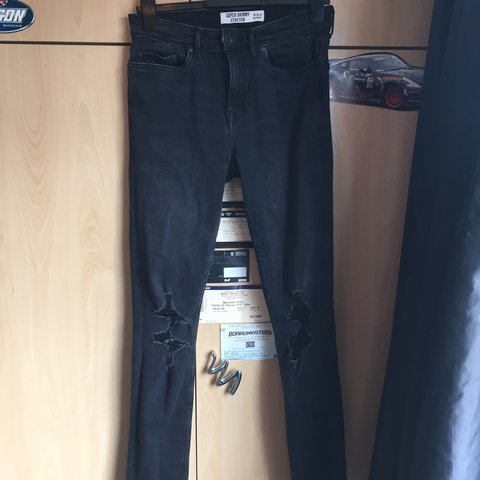 91350770d1f @tompadley. 5 months ago. Scunthorpe, United Kingdom. Men's new look super  skinny stretch black ripped jeans.