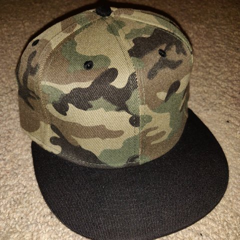 c594ca46716c2 Snapback camouflage new without tags not Mitchell and Ness - Depop