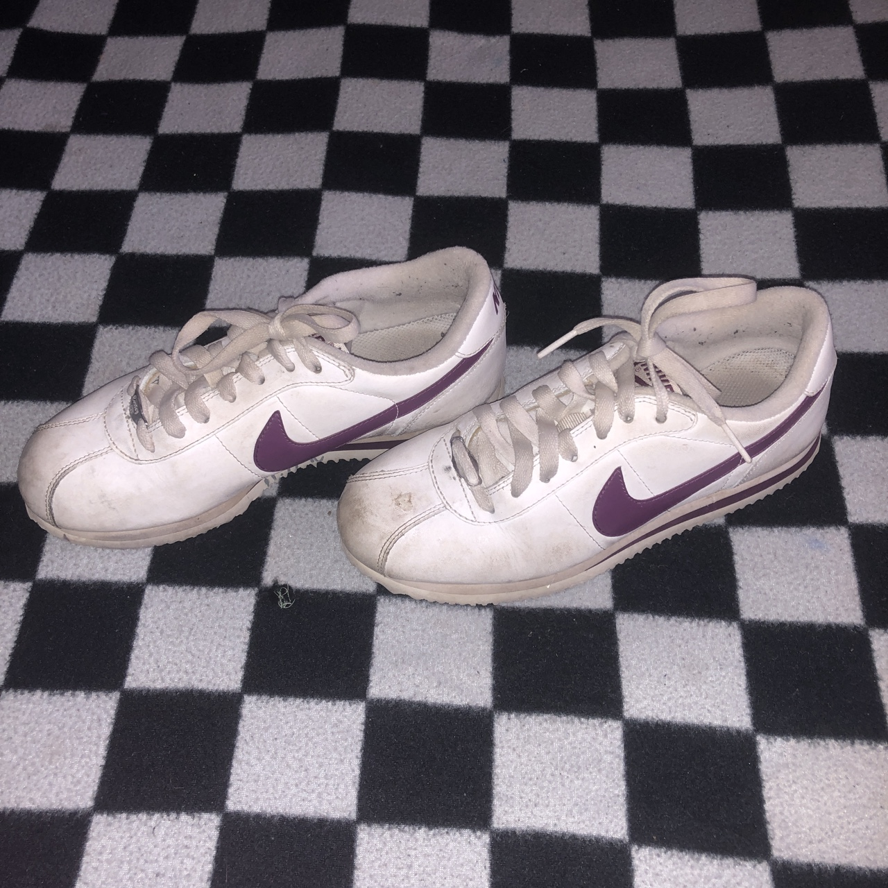 online retailer d2f83 fe4de 90's Nike Cortez shoes. they have a small scuff on... - Depop