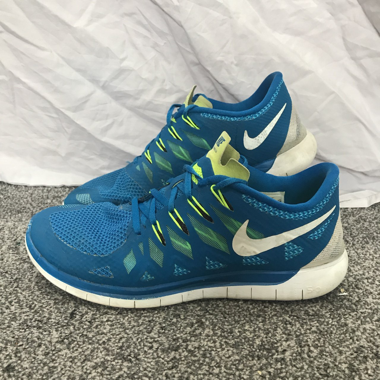 f29c5a1c74c23 NIKE FREE RUN 5.0 - BLUE NEON WHITE CONDITION 5 10 - Used a - Depop