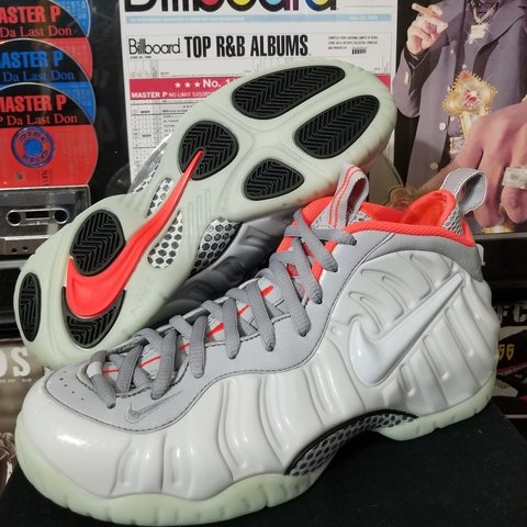 e81bbde2962 Nike foamposite one Pure platinum (yeezy) Size 10 New with - Depop