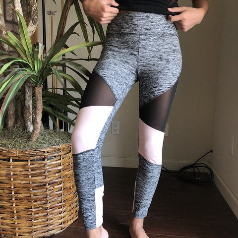 c45ddad70f533 PRICE CUT❗️mesh panel with baby pink and marled grey workout - Depop
