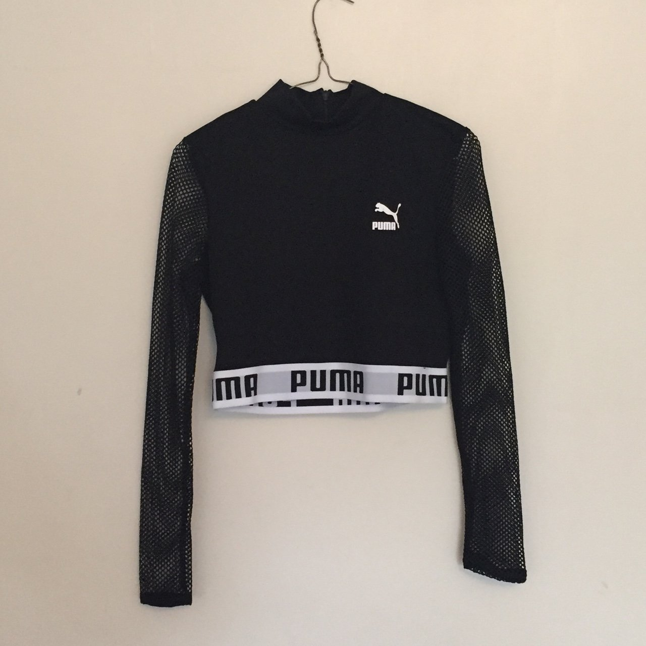 110c5bd925709a The coolest puma mesh two piece. Cropped top with mesh and   - Depop
