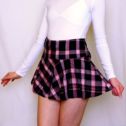 84f5e30e5 🎀 LIZ LISA WOOL PLAID SKIRT 🎀 Features pink tartan pattern - Depop