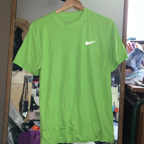 ad9444ff RESERVED❗ ❗️DO NOT BUY❗ ❗ ❗ Sickest retro neon green Nike ...