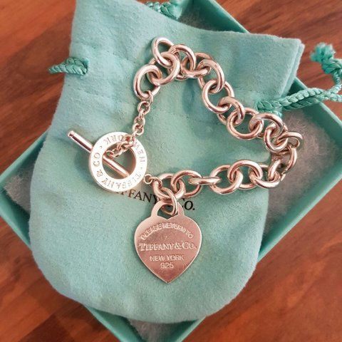 a3281e8a2 @sophluff. 3 years ago. Skellingthorpe, Lincoln LN6, UK. Authentic Tiffany  & Co heart tag toggle bracelet.