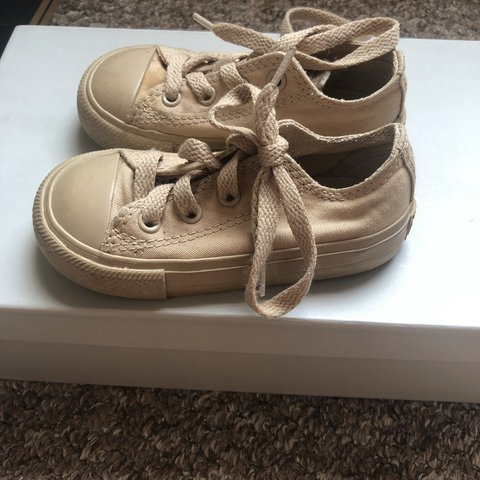 6a12ebe204a8 Toddler size 6 converse. Unisex. Used but good condition. - Depop