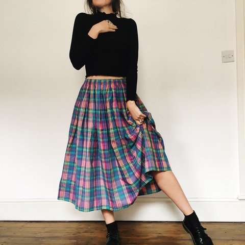 31384367a Beautiful vibrant plaid midi skirt. Elasticated waist, full - Depop