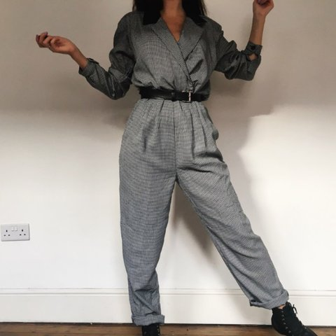 8e6bf2a488 Amazing vintage houndstooth jumpsuit! All in one comfort, at - Depop