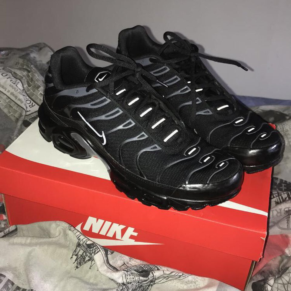 Nike tns LIKE BRAND NEW, exclusive to