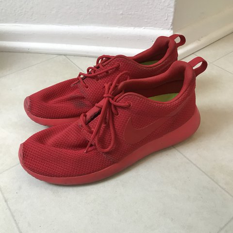 finest selection 28cf7 77064 Triple red nike roshes workout- 0
