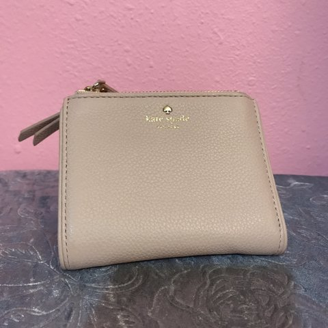 c353aaeae Light pink Kate Spade wallet. In almost perfect condition. I - Depop