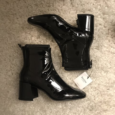 e403d7e68a3 @puberty. 2 years ago. Mountain View, United States. PLS MESSAGE ME BEFORE  YOU BUY IT 👺 Brand new Bershka mid heel ankle boots with patent finish 🌚