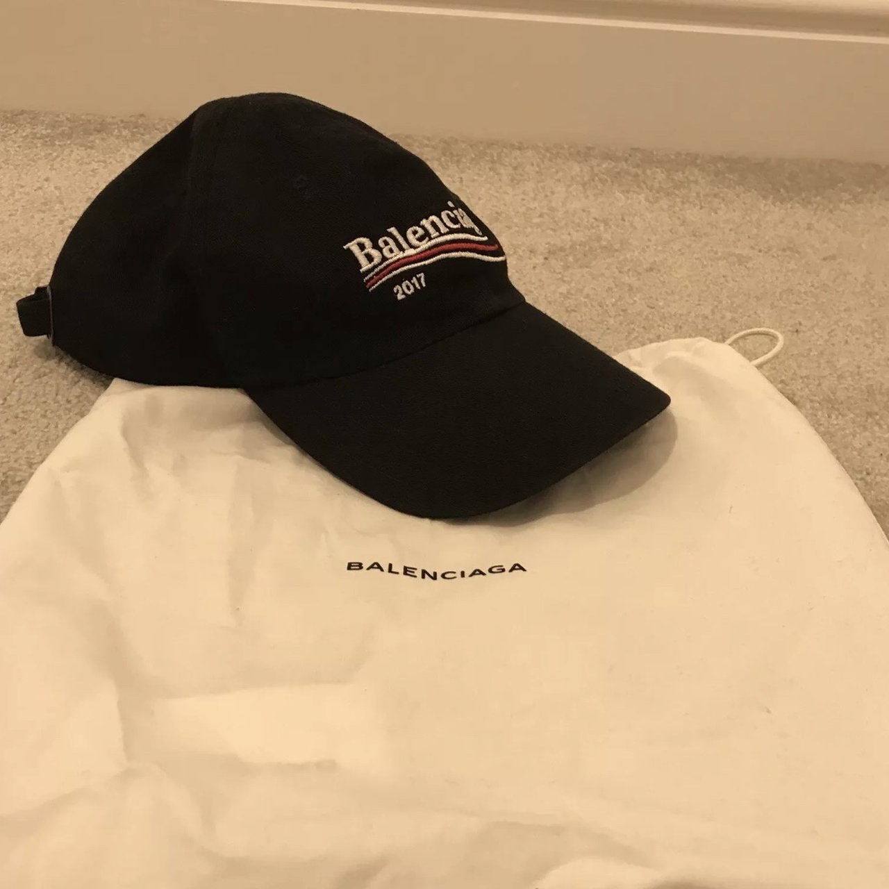 Balenciga hat black (2017 Supreme Condition 798ae96b1e77