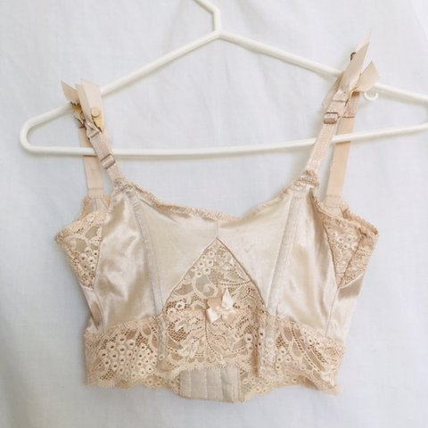 6d2b5637e18b8  redflames. 5 days ago. Canada. Vintage off white cream a bit sheer bralette  with lace ...