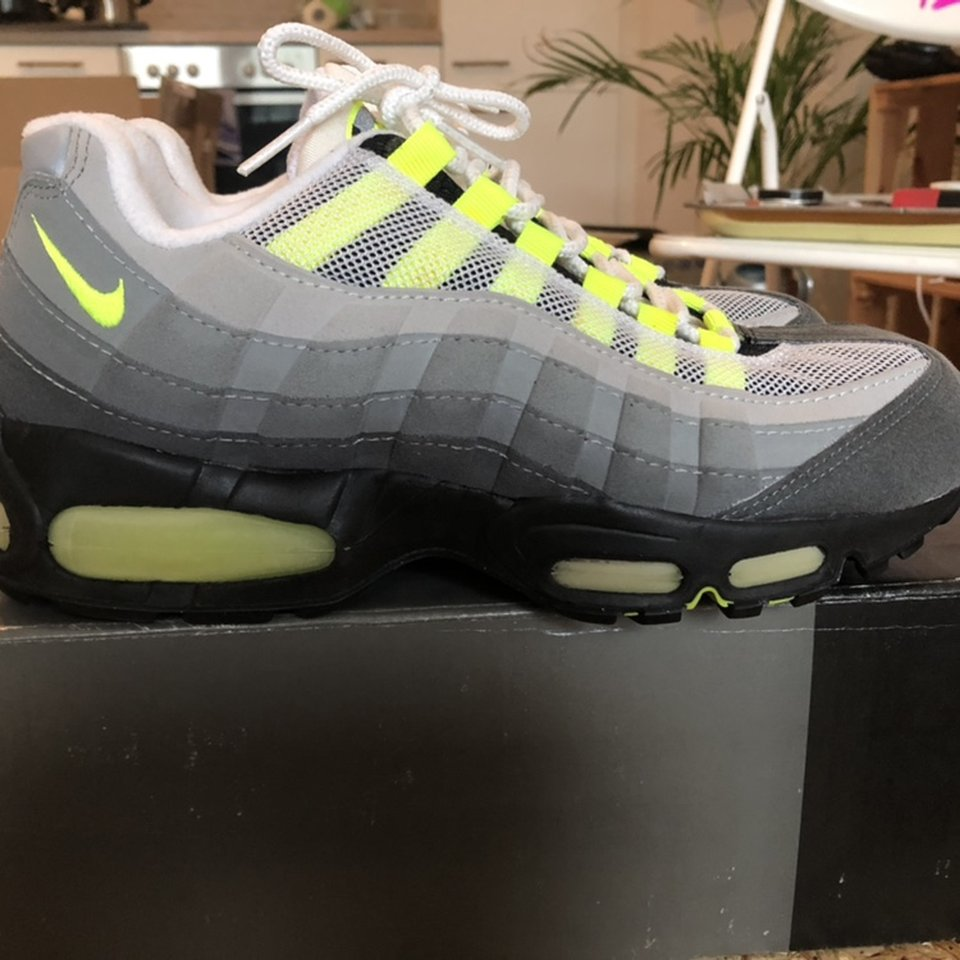 Wts Air Max 95 Neon Og From 1995 Size Us 8 5 Depop