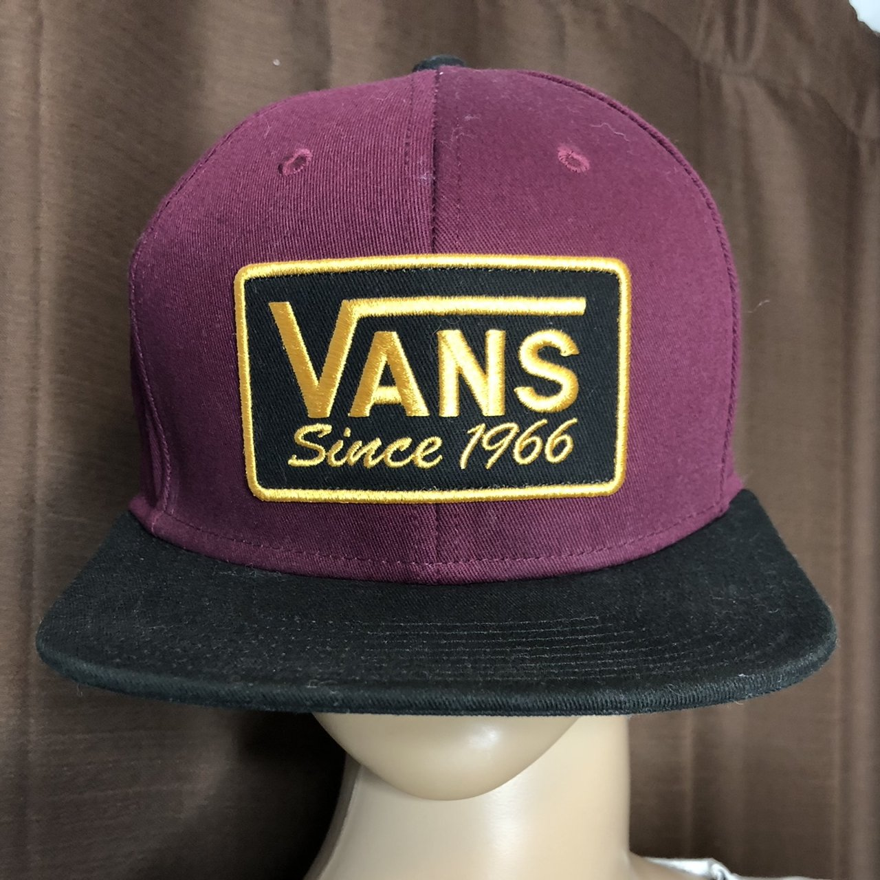 Vans SnapBack Burgundy hat. In great used condition. Perfect - Depop 4ca1e01b260