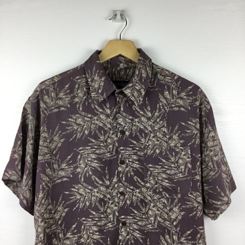 3b72769c @lastonleftvintage. 10 months ago. Colchester, Reino Unido. Quicksilver  Vintage/retro Hawaiian shirt. Labeled as XXL but ...