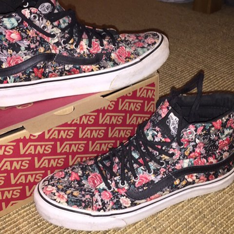 562d7dc6abb   elodiegracee. last year. United Kingdom. Vans Old Skool limited edition  floral ...