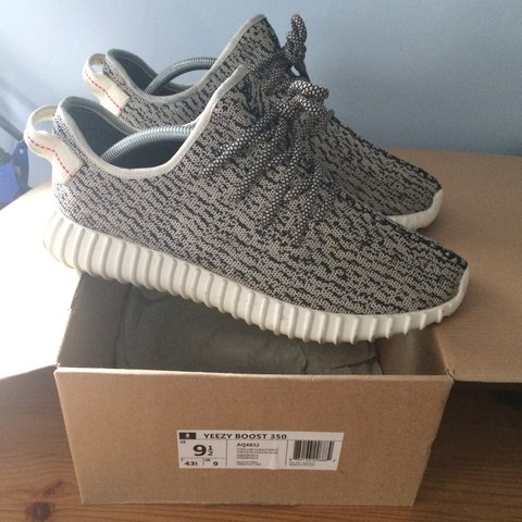 9a5e4ede9835b UA Yeezy boost 350 Turtle Doves in 7 10 Condition. Worn of - Depop