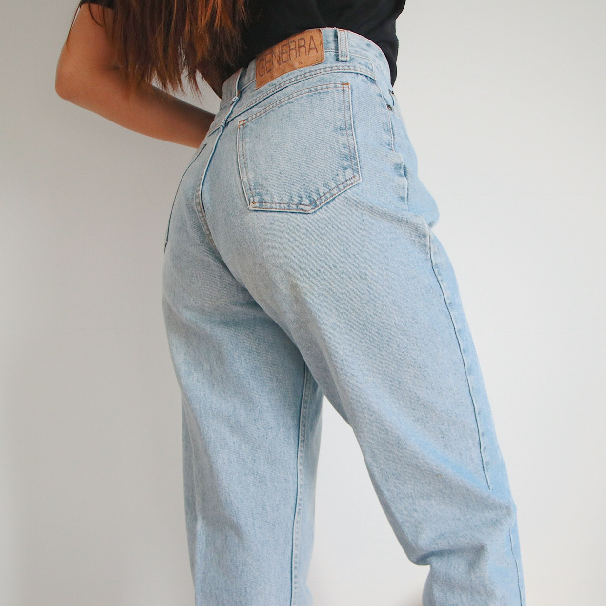 Light wash high waisted mom jeans. The 90s vintage , Depop