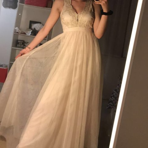 a0032896d2c STUNNING BRAND NEW WITH TAGS CREAM PROM DRESS FOR FORMAL be - Depop