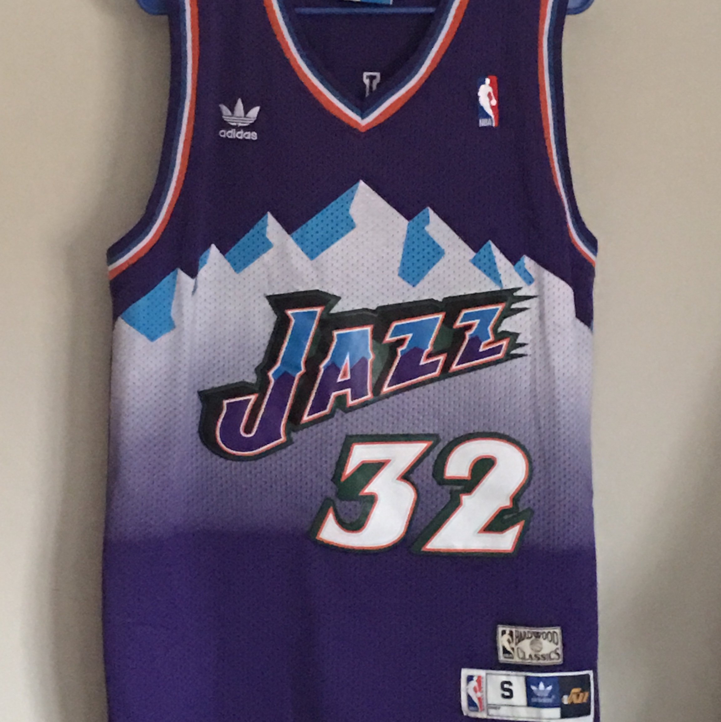 check out 36a0d 63ddf Size Small Adidas Utah Jazz #32 Karl Malone... - Depop