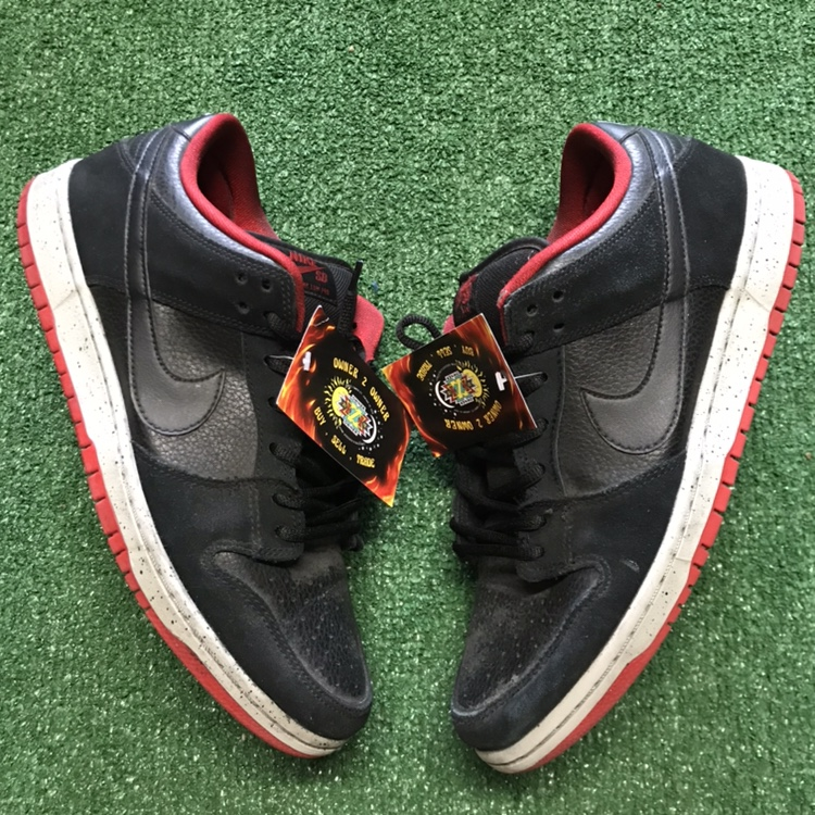 buy online 43e41 c6067 Nike SB dunk low black cement -Black/red/grey ,... - Depop