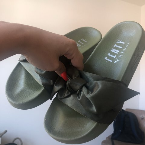 4866661d26f8 FENTY BY RIHANNA BOW SLIDES! Olive green