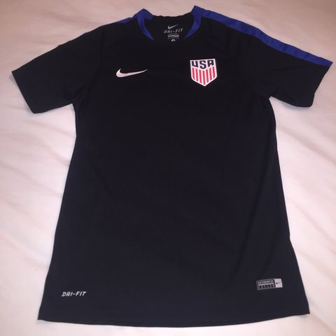 f9abd7314 @mmalueg4. 11 months ago. Greensboro, United States. Official US Soccer  training top. Size small. Tags: nike ...
