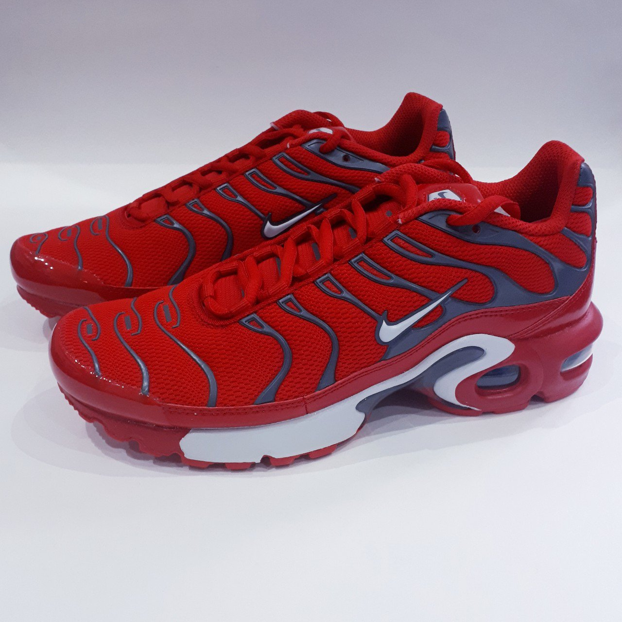 online store fe0ab 2381d  trillkingcole. last year. Huddersfield, GB. University Red Pure Platinum Nike  Air Max Plus TN (GS). Size 6y UK 5.5.