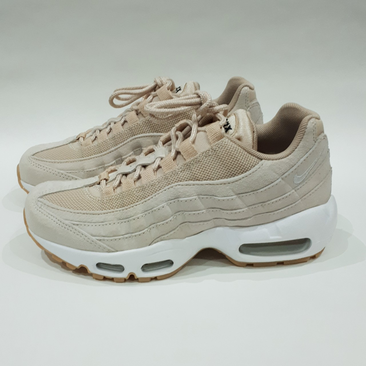 on sale d0c8f 1e62d Oatmeal/Linen-White Nike Air Max 95 SD. Size UK 3.5 ...