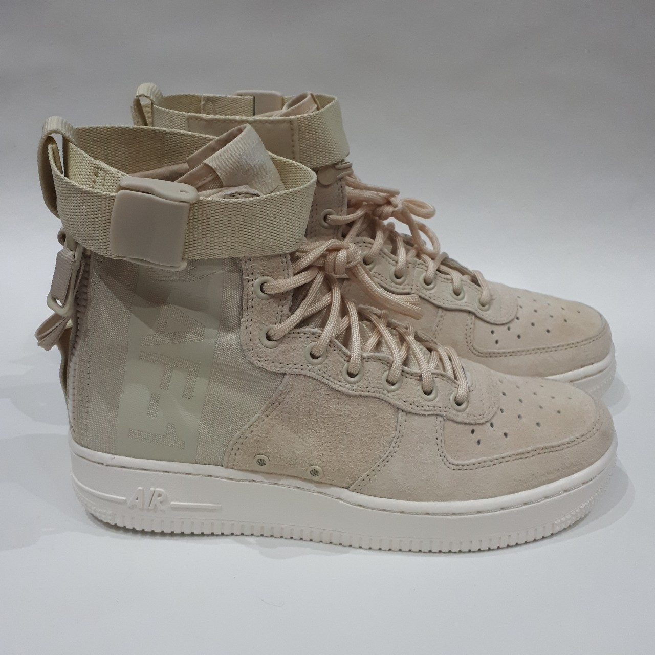 discount a7d51 d2391 Fossil/Sail Womens Nike SF AF1 Mid Sizes UK 5,... - Depop
