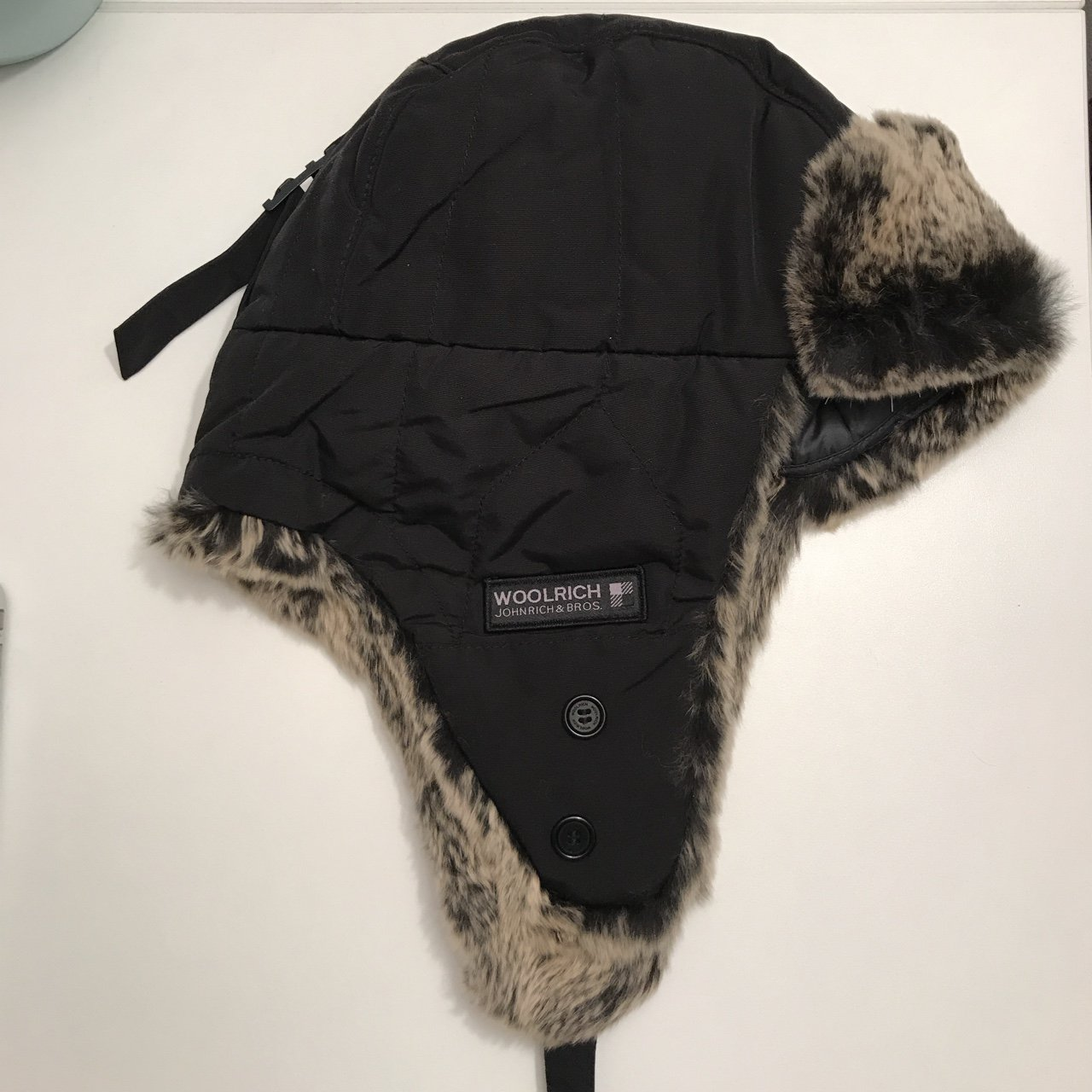 🖤 SOLD OUT WOOLRICH BLACK ARTIC TRAPPER HAT 🖤 Size been on - Depop b7365b4b57cc