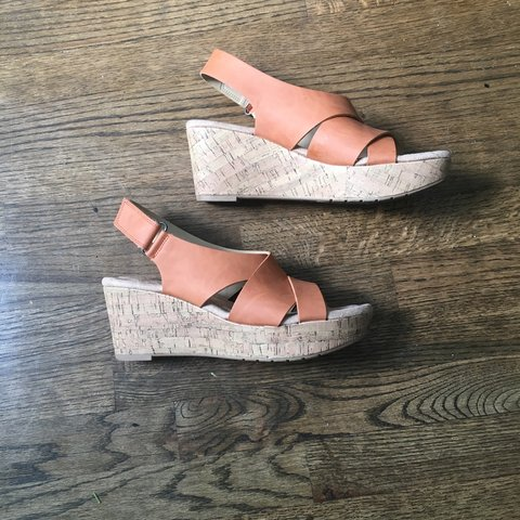 79d9849e56c Cute and comfortable platform sandals- clay color with cork - Depop