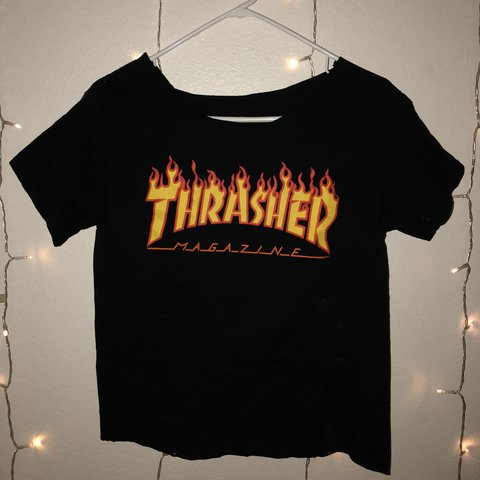 f30d58face17 Authentic and cropped Thrasher Magazine T-shirt. Neckline - Depop