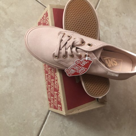 83405244f258  melishha. in 14 hours. United States. Pink vans. Mahogany rose. Camden vans.  Brand new