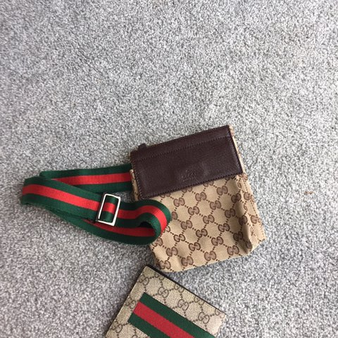 23ac63dd784 Authentic Gucci bum bag  fanny pack 8 10 condition due to - Depop
