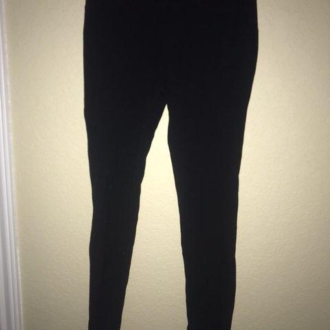 e796f0afdeb3df @acdloops. 6 months ago. United States. Black leggings with back pockets
