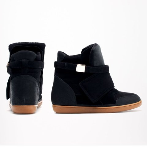 837047ff909 Black Wedge trainers size 5 From Bershka Suede trainers x x - Depop