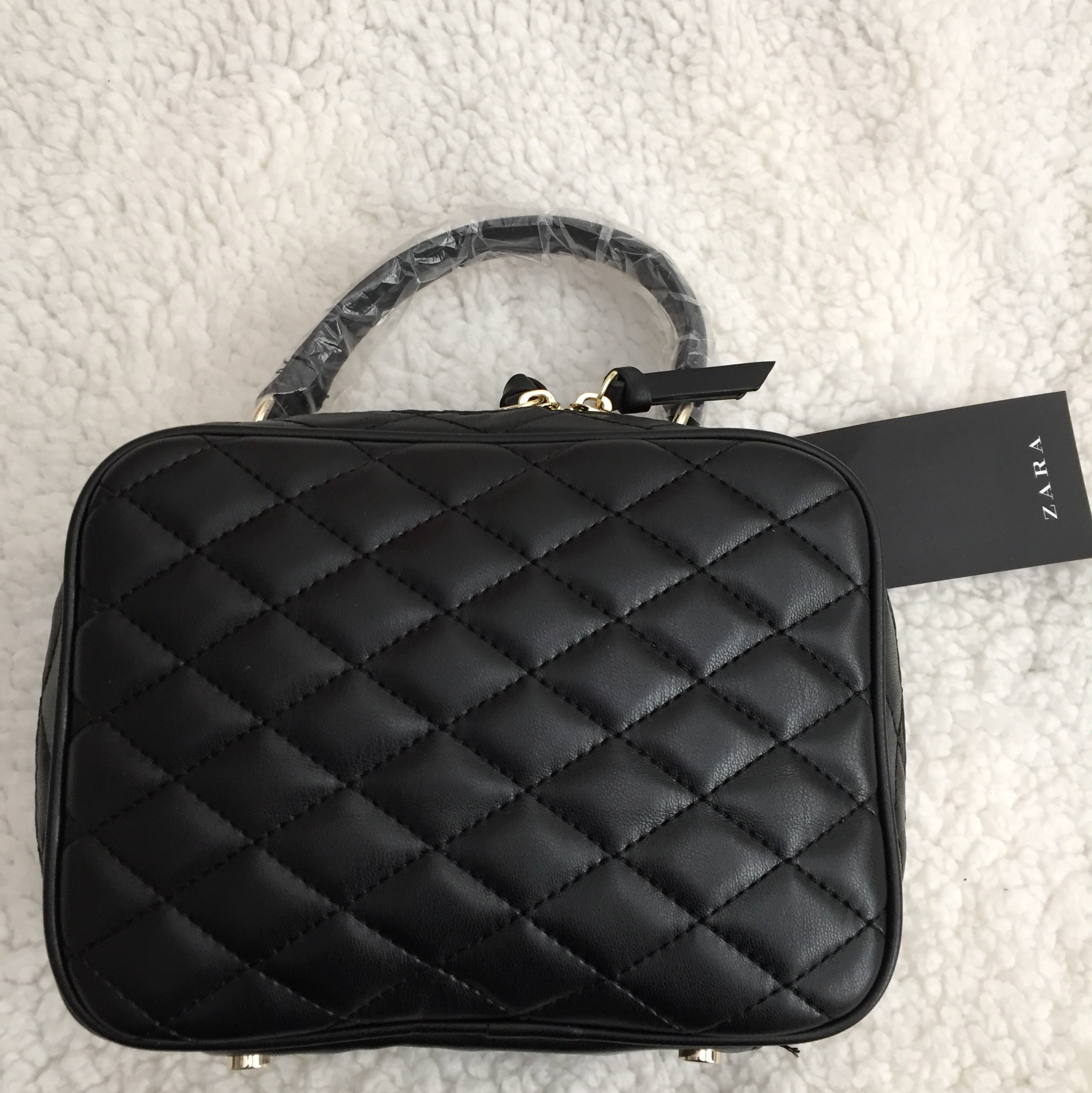 3f62b1be Zara quilted crossbody bag. Color: black. Non... - Depop