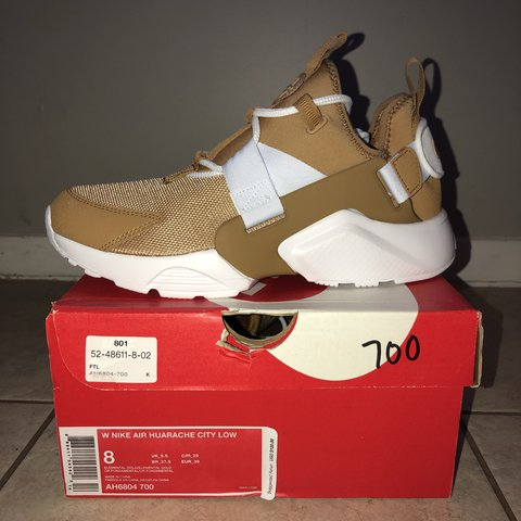 7e757408bf31 Women s new nike air huarache city low (gold elemental) been - Depop
