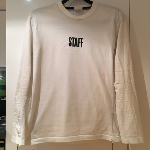 2be965c9 @samnahya. last year. London, United Kingdom. White VETEMENTS long sleeves tee  shirt very good quality . Very good condition just been worn ...