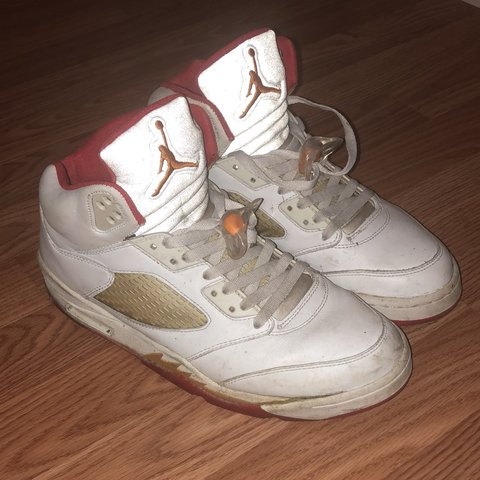 "81bf0a8086c AIR JORDAN 5 ""SUNSET"" 2006 -could use some glue on cleaning - Depop"