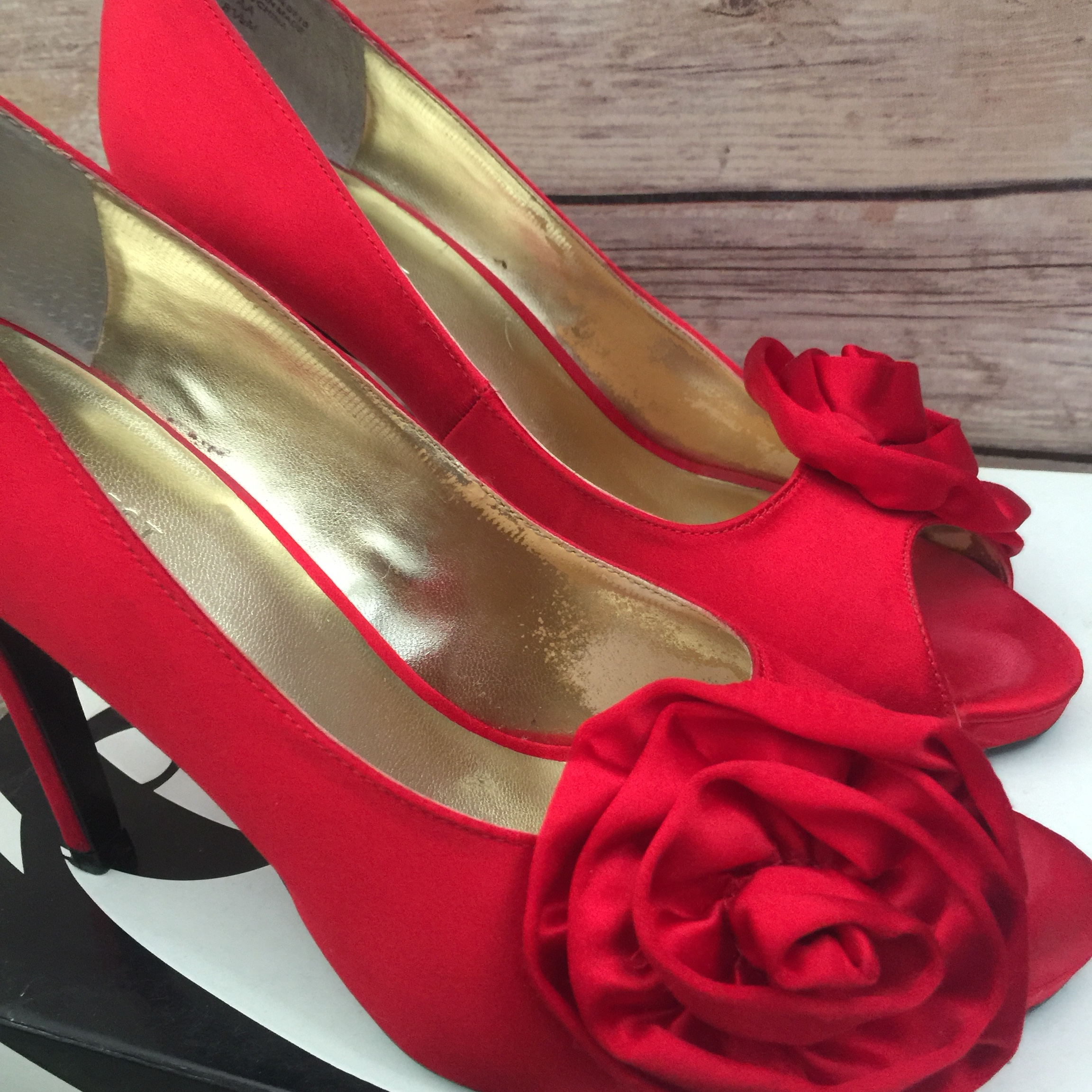 c24b977bc38 Nine West red satin peep toe pumps with roses on the... - Depop