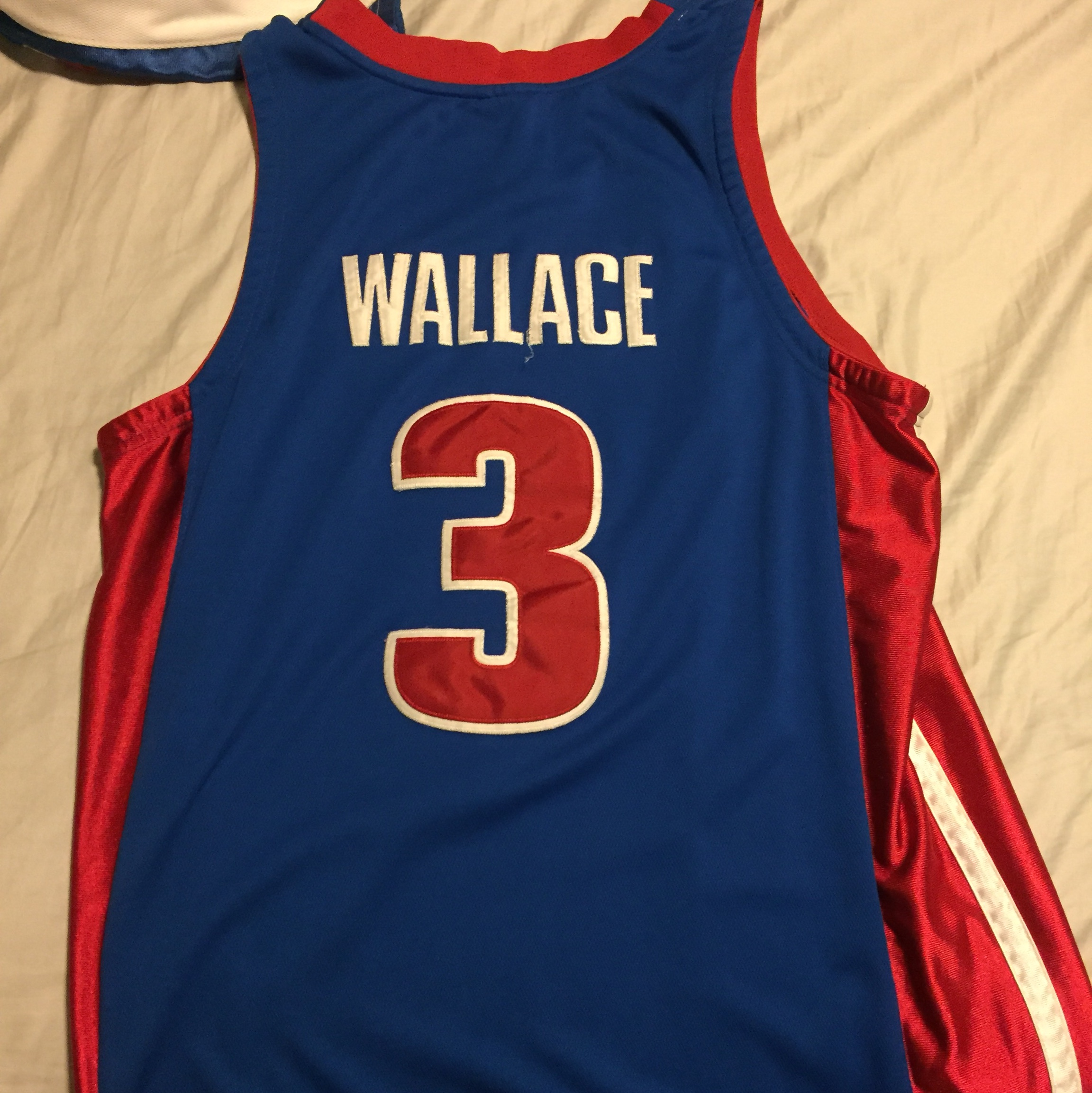 cheap for discount af1bd 97dad Ben Wallace Detroit pistons throwback jersey - Depop