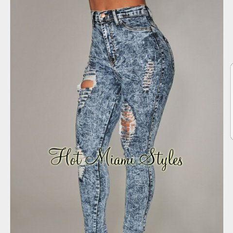 21cf272af70 @frenchavanilla. 2 months ago. New Jersey, US. Fashionova distressed Jeans  Brand new with tags. Size 7