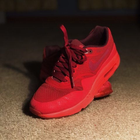 91bf4b42e7 @vvaltierra11. 4 months ago. Chicago, United States. NIKE AIR MAX Rare red  color scheme and has a cool holographic effect ...