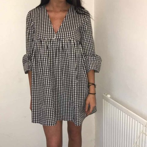 4cd7dc265779 zara gingham playsuit - worn once - in excellent condition - - Depop