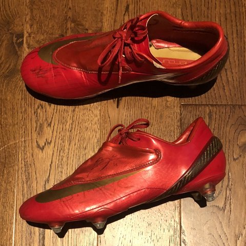 e2540cfeff4 Nike Mercurial Vapor 2007 very rare Size 9 Condition no - Depop